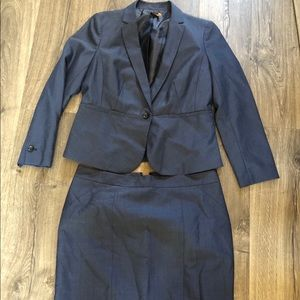 LIKE NEW Ann Taylor Suit